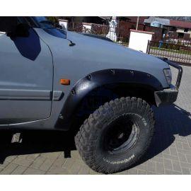 Aletines Anchos (12cm) Nissan Patrol Y61 3P