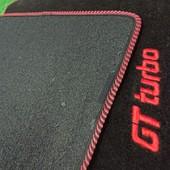 JUEGO ALFOMBRAS A MEDIDA RENAULT 5 GTTURBO Juego de alfombras fabricadas a medida para Renault 5 Gt turbo  Con bordado Gtturbo, sin bordado o personalizadas (bajo pedido)  Moqueta de primera calidad.  Parte trasera cubierta de goma antideslizante.  Plantilla a medida que cubre el máximo espácio para proteger la moqueta del suelo del coche.  Ribeteado en negro, rojo o varios colores a elegir (negro, rojo, azul, etc... )  uego de alfombras fabricadas a medida para Renault 5 GT turbo  Con bordado Gtturbo, sin bordado o personalizadas (bajo pedido)  Moqueta de primera calidad.  Parte trasera cubierta de goma antideslizante.  Plantilla a medida que cubre el máximo espácio para proteger la moqueta del suelo del coche.  Ribeteado en negro, rojo o varios colores a elegir (negro, rojo, azul, etc... )  Con o sin bordado personalizado.  Acabados de alta calidad y material muy duradero (más de 10 años).  Atendemos pedidos personalizados, Con nombres bordados, logotipos de empresa, frases, etc.... consúltanos.  NOTA: Especificar color ribeteado.  NOTA: Consultar precio de las alfombras y diseños personalizadas.
