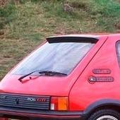 Aleron Peugeot 205 GTI  Réplica exacta de los originales. Material: Fibra Duraflex, de alta calidad.  Acabado: Liso, igual al original Aplicable: Peugeot 205  Contenido: 1 Pieza  Aplicación: Se recomienda montaje por un taller profesional. Requiere de pequeños ajustes.  #peugeot205 #peugeot205gti #peugeot205gtx